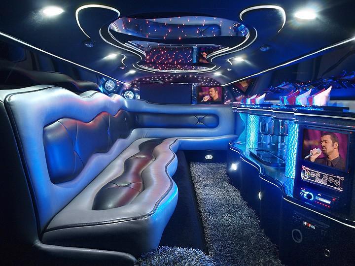 Chrysler 300 140-inch Stretch by Empire