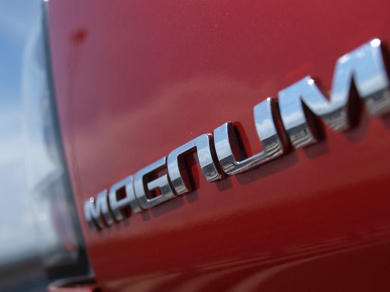 лимузина под наем dodge magnum